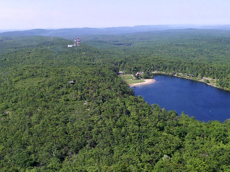 High Point State Park – Monument Trail in May | njHiking.com
