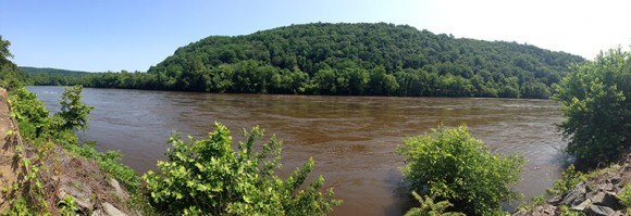 Delaware River from the D&L trail