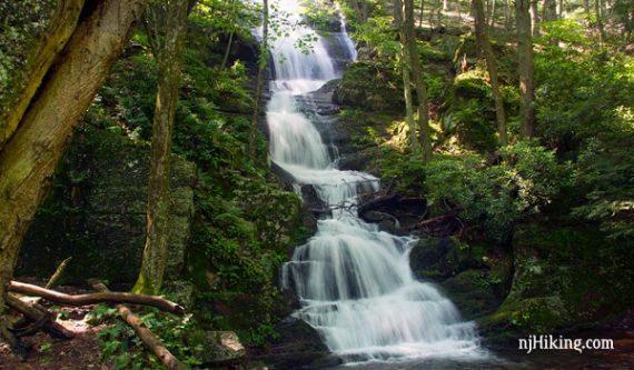 Buttermilk Falls, Crater Lake, Hemlock Pond   njHiking com