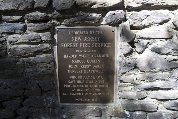Firefighters memorial plaque
