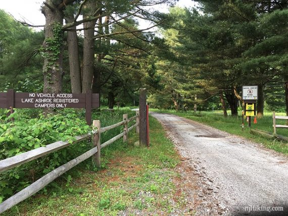 Start of the Red Maple trail.