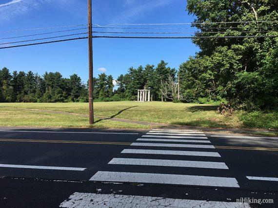 Cross Mercer Road to the columnade