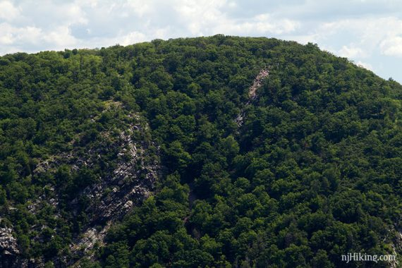 Where hikers scramble down for views from Mt Tammany of Mt Minsi