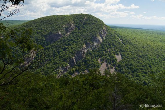 2nd overlook, view of Mt Tammany