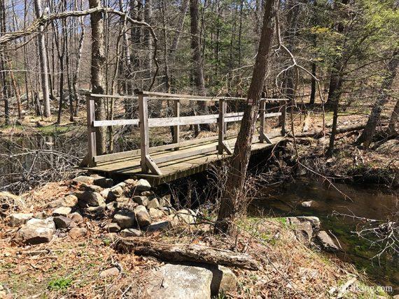 Bridge on Lake to Lake trail