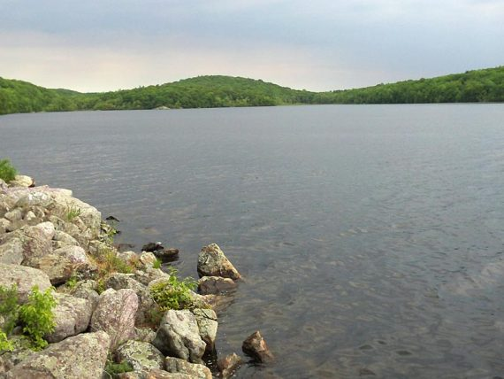 Highlands Trail along Echo Lake