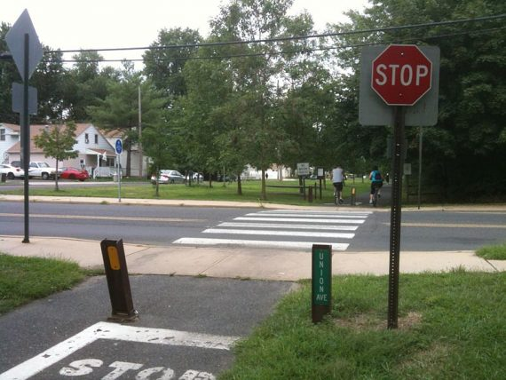 Street crossing on Henry Hudson Trail