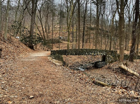Stone bridge near Hobble Falls