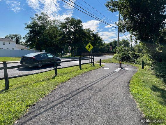 Henry Hudson angled street crossing